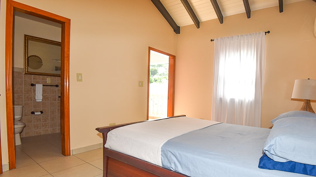 Saint Martin Rentals Bedroom with Balcony